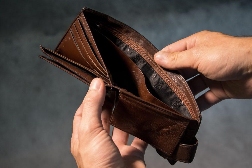 貧乏人は「お金がない」というが稼ぐためには優先順位がある!