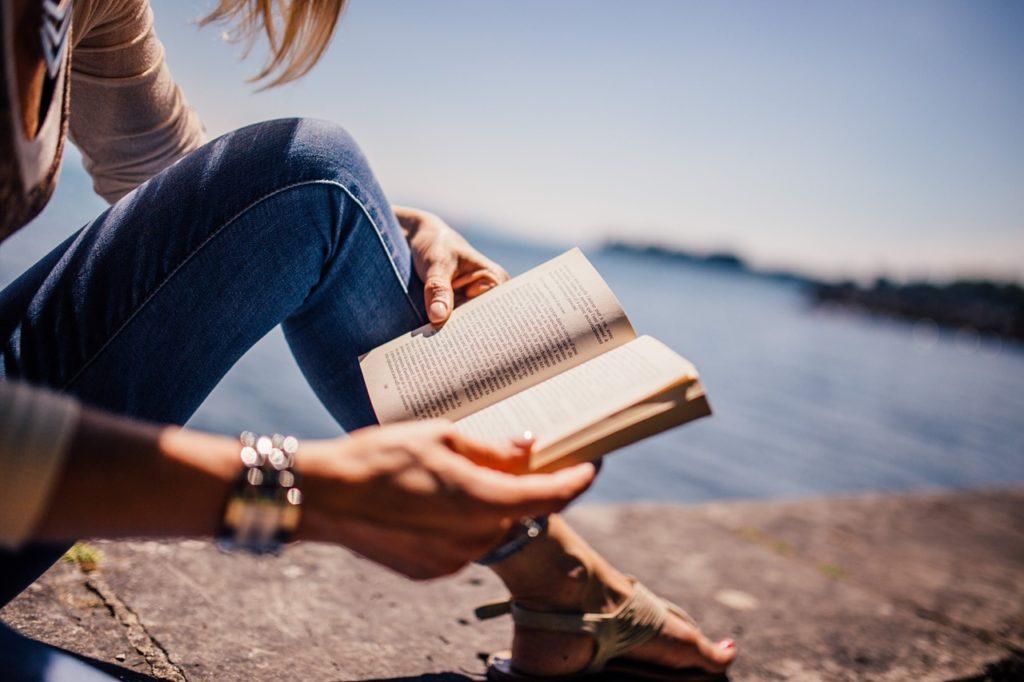 お金がかからない趣味、ビジネス書の読書で勉強も出来て一石二鳥!